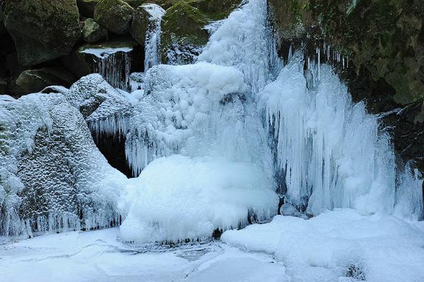 Českosaské švýcarsko zamrznuté vodopády